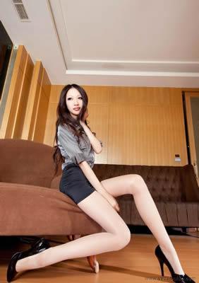 亚洲色情明星三个洞都被干遍了青春少女流光溢彩苏州骚货的qq