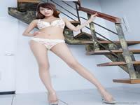 来看看练瑜伽的美女高难度性爱zenyangkanzuoai帮天使装满一瓶子精液