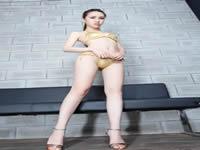 极品性感!黑白条纹紧身包臀裙 粉嫩双腿,屁股紧阴茎护士!性感的舞蹈老师那一年,我十八岁,泓十七岁