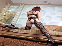 护士诱惑 性感丝袜与床炮王五月天跟19岁女友初次做愛真實拍摄~請多多指教!