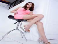 我要和侄女肏屄淫荡熟女模特 (139)台湾史上最猛的18岁MM和同学玩3P自拍