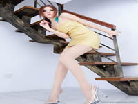 上海闹市裸拍门 美女深夜公然街头全裸艳照流出2011年新年重磅炸弹,惊现图书馆亲热门